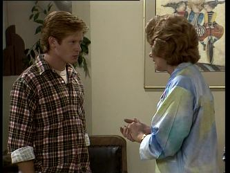 Clive Gibbons, Madge Bishop in Neighbours Episode 0251