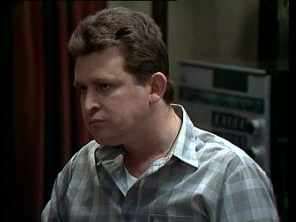 Des Clarke in Neighbours Episode 0251