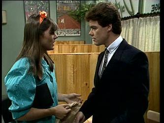 Zoe Davis, Paul Robinson in Neighbours Episode 0252