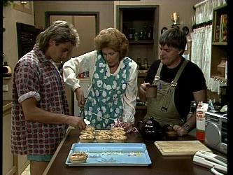 Shane Ramsay, Madge Bishop, Tom Ramsay in Neighbours Episode 0252