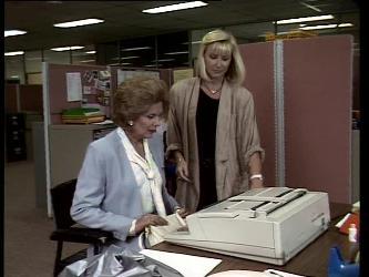 Madge Mitchell, Bev Black in Neighbours Episode 0252