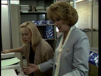 Bev Black, Madge Mitchell in Neighbours Episode 0252