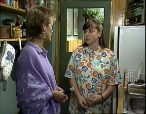Daphne Clarke, Nikki Dennison in Neighbours Episode 0253