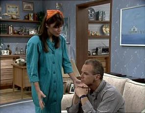 Zoe Davis, Jim Robinson in Neighbours Episode 0253