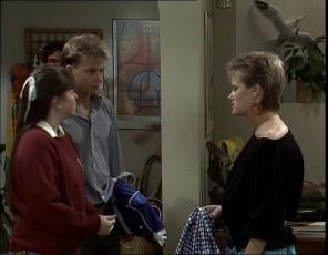 Nikki Dennison, Scott Robinson, Daphne Clarke in Neighbours Episode 0253