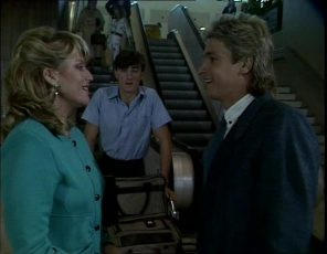 Debra Fleming, Shane Ramsay in Neighbours Episode 0253