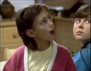 Lucy Robinson, Nikki Dennison in Neighbours Episode 0254
