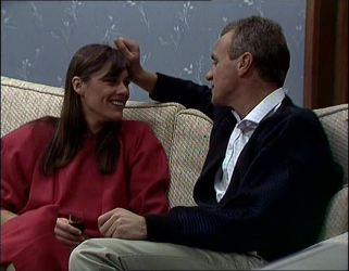 Zoe Davis, Jim Robinson in Neighbours Episode 0254