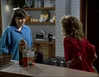 Nikki Dennison, Charlene Mitchell in Neighbours Episode 0254