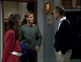Zoe Davis, Scott Robinson, Jim Robinson in Neighbours Episode 0255