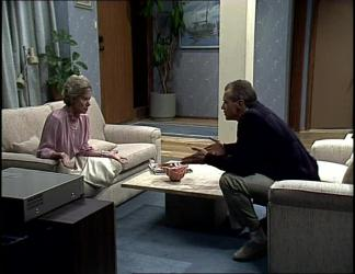 Helen Daniels, Jim Robinson in Neighbours Episode 0255