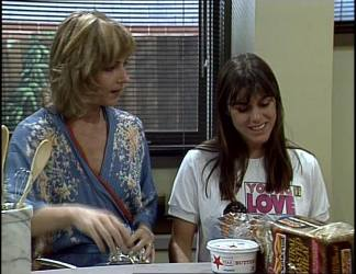 Andrea Townsend, Zoe Davis in Neighbours Episode 0255
