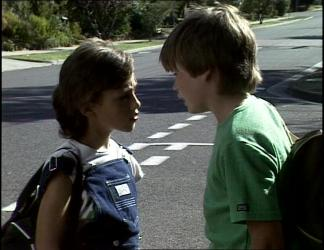 Lucy Robinson, Bradley Townsend in Neighbours Episode 0255