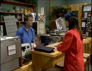 Daphne Clarke, Zoe Davis in Neighbours Episode 0255