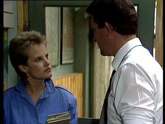 Daphne Clarke, Des Clarke in Neighbours Episode 0256