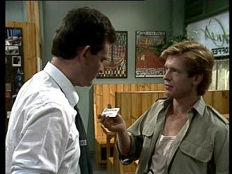 Des Clarke, Clive Gibbons in Neighbours Episode 0256