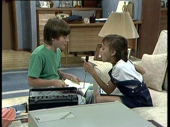 Bradley Townsend, Lucy Robinson in Neighbours Episode 0256