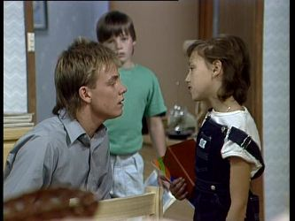 Scott Robinson, Bradley Townsend, Lucy Robinson in Neighbours Episode 0256