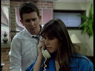 Des Clarke, Zoe Davis in Neighbours Episode 0256