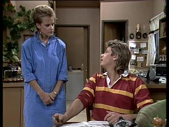 Daphne Lawrence, Shane Ramsay in Neighbours Episode 0257