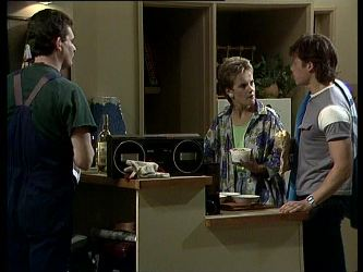 Des Clarke, Daphne Lawrence, Mike Young in Neighbours Episode 0259
