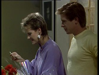Daphne Clarke, Clive Gibbons in Neighbours Episode 0259