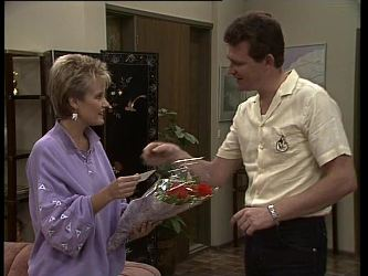 Daphne Lawrence, Des Clarke in Neighbours Episode 0259