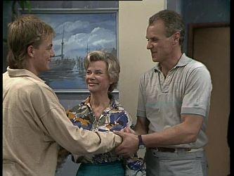 Scott Robinson, Helen Daniels, Jim Robinson in Neighbours Episode 0260