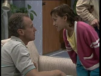 Jim Robinson, Lucy Robinson in Neighbours Episode 0260