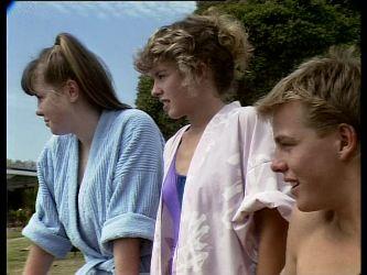 Nikki Dennison, Charlene Mitchell, Scott Robinson in Neighbours Episode 0260
