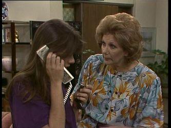 Zoe Davis, Madge Mitchell in Neighbours Episode 0260