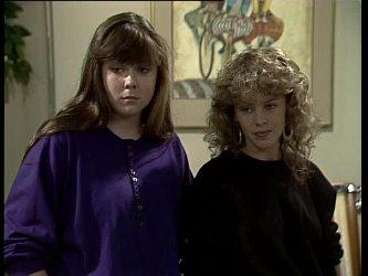 Nikki Dennison, Charlene Mitchell in Neighbours Episode 0260