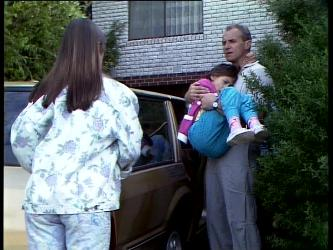 Zoe Davis, Lucy Robinson, Jim Robinson in Neighbours Episode 0261