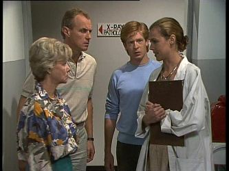 Helen Daniels, Jim Robinson, Clive Gibbons, Doctor in Neighbours Episode 0261