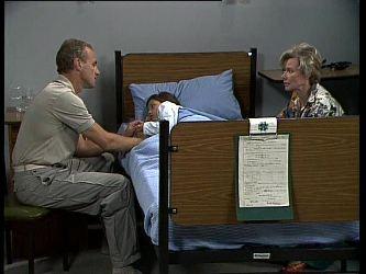 Jim Robinson, Lucy Robinson, Helen Daniels in Neighbours Episode 0261