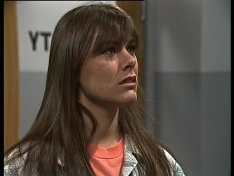 Zoe Davis in Neighbours Episode 0262