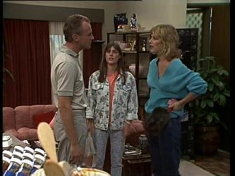 Jim Robinson, Zoe Davis, Andrea Townsend in Neighbours Episode 0262
