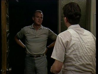 Jim Robinson, Des Clarke in Neighbours Episode 0262