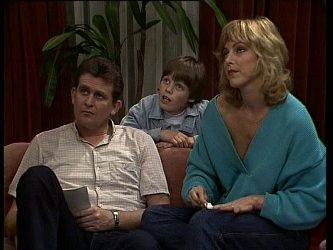 Des Clarke, Bradley Townsend, Andrea Townsend in Neighbours Episode 0262
