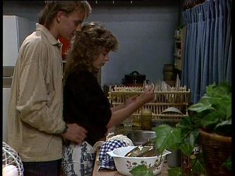 Scott Robinson, Charlene Mitchell in Neighbours Episode 0262