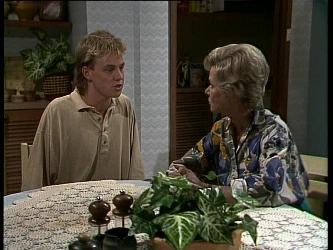Scott Robinson, Helen Daniels in Neighbours Episode 0262