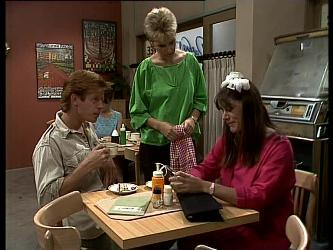 Clive Gibbons, Daphne Clarke, Zoe Davis in Neighbours Episode 0263