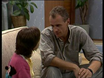 Lucy Robinson, Jim Robinson in Neighbours Episode 0263