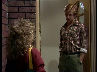 Charlene Mitchell, Clive Gibbons in Neighbours Episode 0264