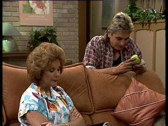 Madge Bishop, Shane Ramsay in Neighbours Episode 0265