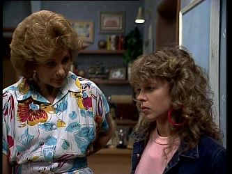 Madge Mitchell, Charlene Mitchell in Neighbours Episode 0267