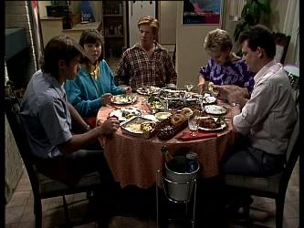 Mike Young, Nikki Dennison, Clive Gibbons, Daphne Clarke, Des Clarke in Neighbours Episode 0267