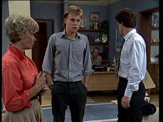 Helen Daniels, Scott Robinson, Jim Robinson, Paul Robinson in Neighbours Episode 0267
