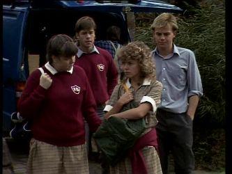 Nikki Dennison, Mike Young, Charlene Mitchell, Scott Robinson in Neighbours Episode 0267