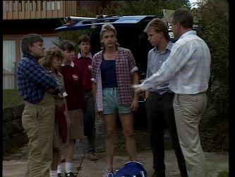 Tom Ramsay, Charlene Mitchell, Nikki Dennison, Mike Young, Shane Ramsay, Scott Robinson, Jim Robinson in Neighbours Episode 0268